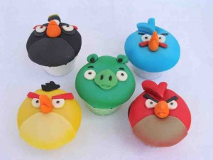 Angry birds cupcakes by Gabby